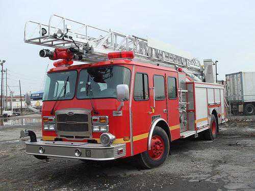 Las unidades de carros bomberos serían entregadas en mayo de 2014 (FOTO INTERNET