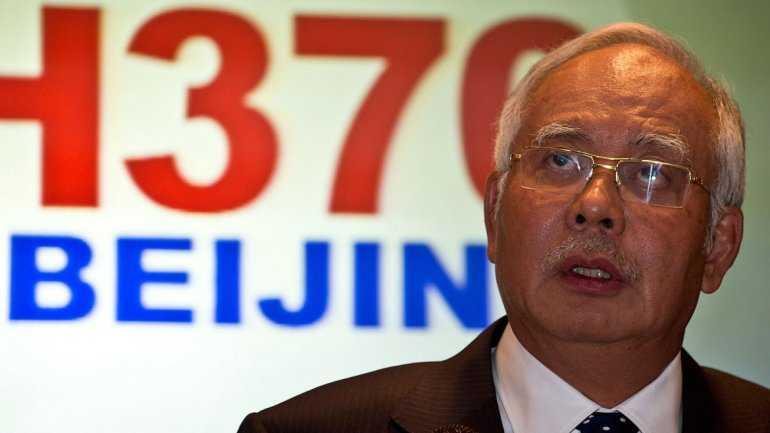 El primer ministro de Malasia, Najib Razak, informa a la prensa que el vuelo de Malysia Airlines ha sido desviado de su ruta original en forma deliberada. (FOTO: INFOBAE)