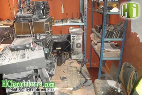 Instalaciones de Radio Popular luego del atentado de hace casi 2 años. (FOTO: ARCHIVO)