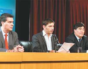 El ministro de Economía Axel Kicillof (c) estará presente hoy en la OEA para explicar el tema. (FOTO: INTERNET)