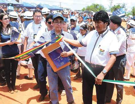 Cobija. El Mandatario inauguró ayer la construcción de un hospital (foto) y la planta solar fotovoltaica. (FOTO: ALEJANDRA ROCABADO)
