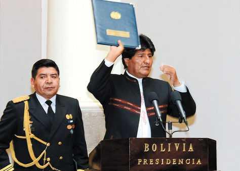 El presidente Evo Morales decretó el doble aguinaldo en 2013