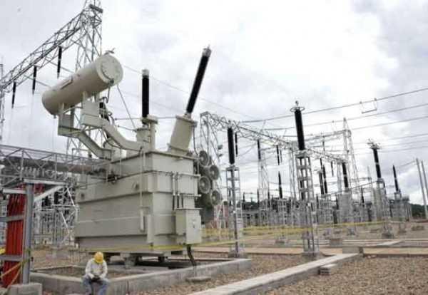 El presidente ejecutivo de ENDE, Arturo Iporre, destacó la inversión que viene desarrollando el gobierno boliviano a partir de la nacionalización de las generadoras de electricidad en 2010.