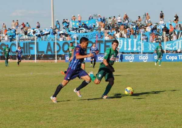 Secuencia del partido disputado entre Petrolero de Yacuiba y Blooming de Santa Cruz de la Sierra.