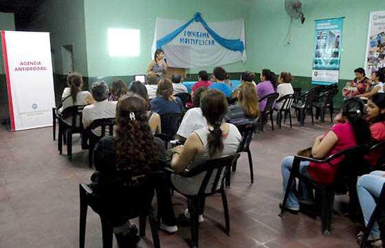 El objetivo es formar capacitadores en la temática de la prevención de drogas.