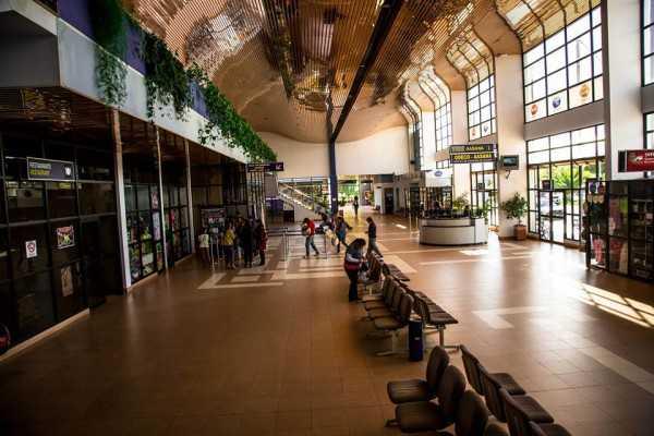 Aeropuerto Oriel Lea Plaza de la ciudad de Tarija.