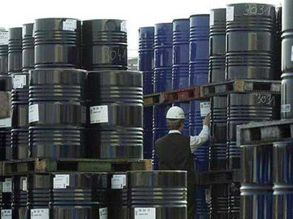 La Organización de Países Productores de Petróleo (OPEP) definirá una estrategia frente a la vertiginosa caída de los precios del petróleo.
