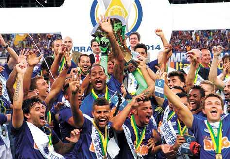 Campeon-Cruzeiro-brasileno-Universitario-Sucre_LRZIMA20141223_0058_11