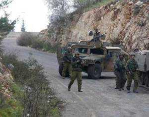 Soldados israelíes patrullan la frontera con el sur del Líbano./Reuters