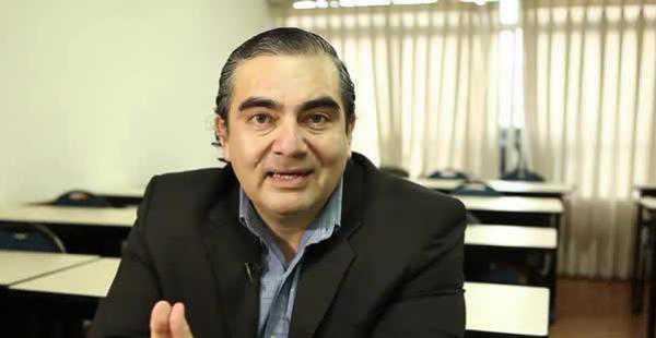 Ministro de Autonomías, Hugo Siles.