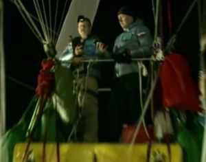 Los pilotos tuvieron que modificar su rumbo y está previsto que acaben aterrizando en México. (Foto: BBC)