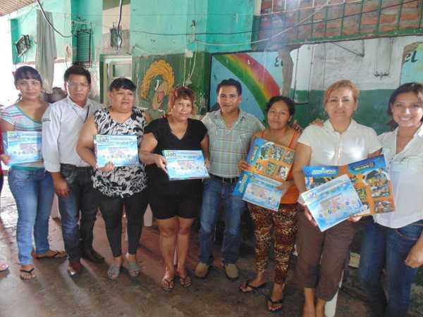 Entrega de certificados a las internas de la carceleta de la ciudad de Yacuiba.
