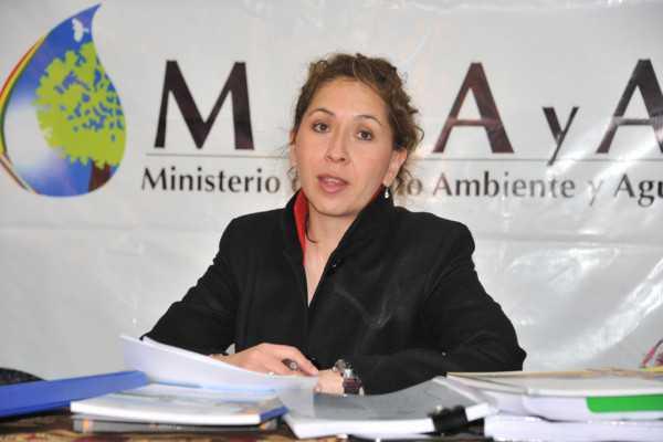 La ministra de medio Ambiente y Agua, Alexandra Moreira (Foto: ABI)
