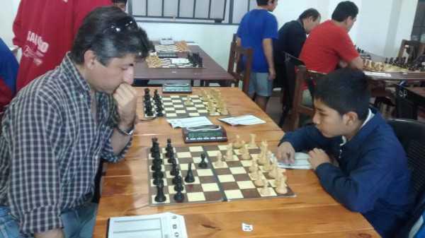 Jhoan Mollo en plena competencia en Salta, Argentiina (Foto: dArchivo El Chaqueño)