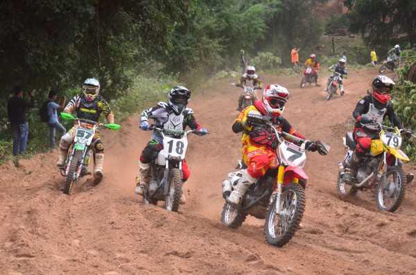 Momentos vividos en el pre-nacional de Motocross en Villa Montes. (Foto: El Chaqueño)