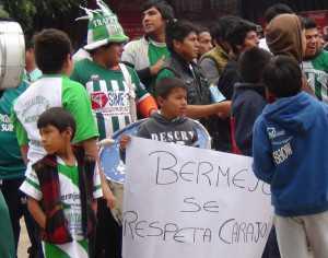 La propuesta realizada por los hinchas de Atlético Bermejo, la tarde de ayer. (Foto: El Chaqueño)