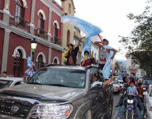 Festejo en Tarija tras el ascenso de Ciclón (Foto: Diez)