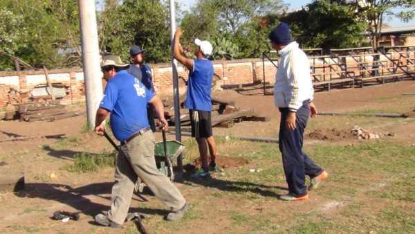 Moreales trabajó en la adecuación de campos deportivos. (Foto: El Chaqueño)