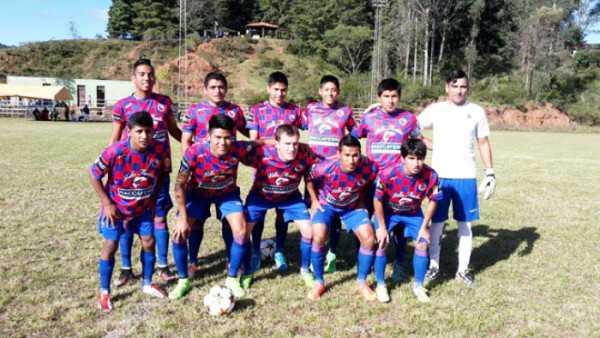 Quebracho, se impuso por 4 a 1 a Independiente. (Foto: El Chaqueño)
