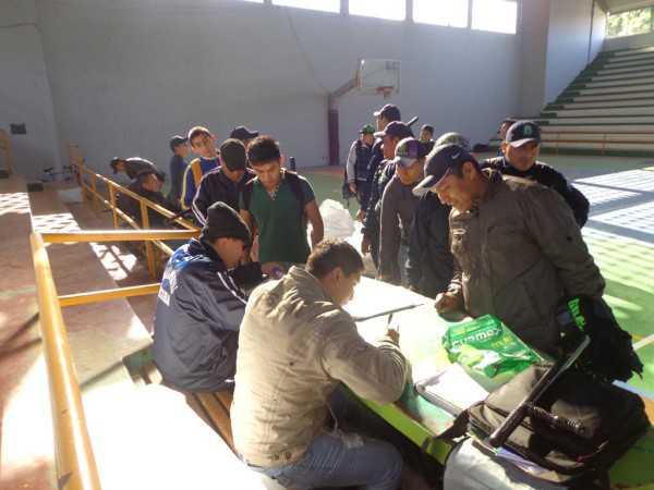 Entrega del material a la guardia Municipal. (Foto: El Chaqueño)