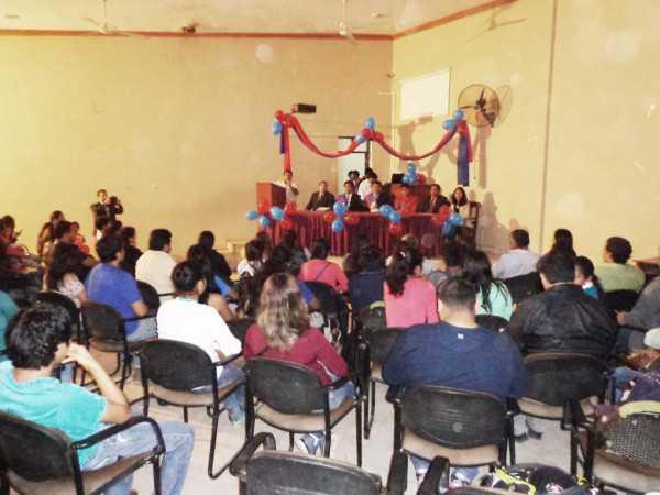 Acto civico por el aniversario de la UAJMS en el paraninfo universitario. (Foto: El Chaqueño)