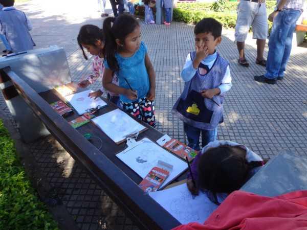 Estudiantes de nivel incial participan en la Feria del Medio Ambiente. (Foto: El Chaqueño)