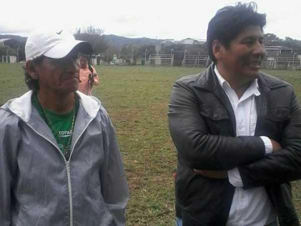 Oscar Garvizu y Marcial Rengifo, primer vicepresidente del club chaqueño. (Foto: El Chaqueño)