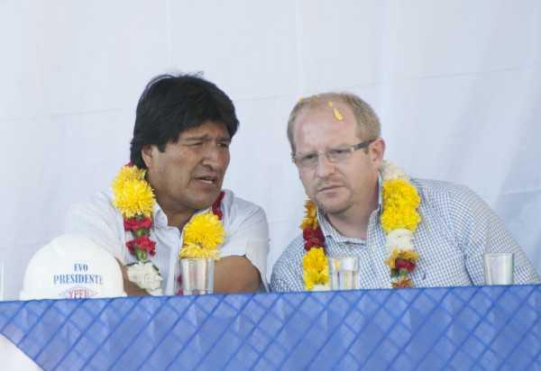 Evo Morales y Adrián Oliva, proponen agenda de trabajo conjunta. (Foto: ABI)