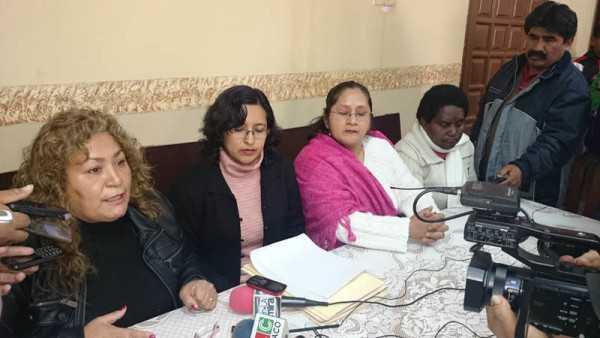 Autorides de UD-A en conferencia de prensa. (Foto: El Chaqueño)