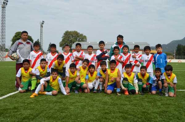 Integrantes de los clubes Rangers y Sport Club. (Foto: El Chaqueño)