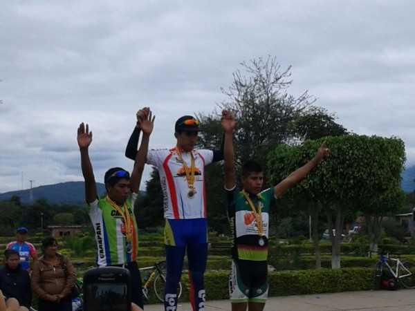 Premiación del departamental de ruta. (Foto: El Chaqueño)