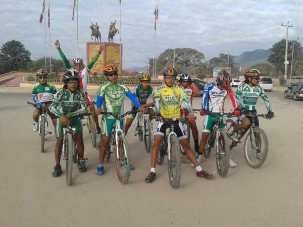 Ciclistas que fueron parte de la Doble al Bagual. (Foto: El Chaqueño)