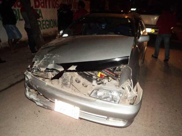 Así quedó el vehiculo donde estaba la pasajera. (Foto: El Chaqueño)