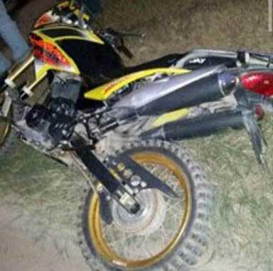 Motocicleta luego del accidente. (Foto: WhatsApp)