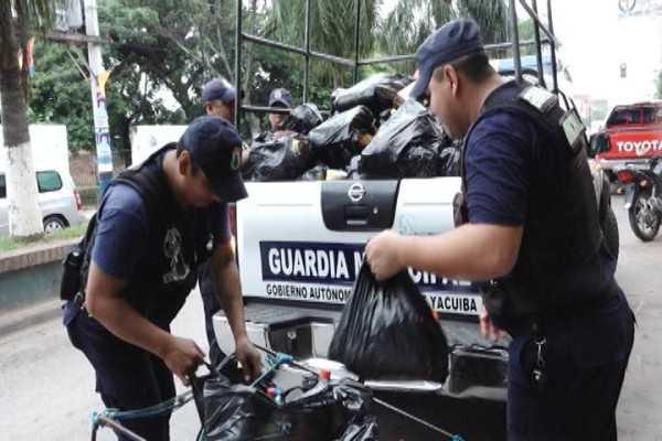 Productos decomisados por los guardias municipales. (Foto: El Chaqueño)