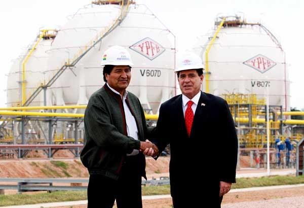 Los presidentes de Bolivia y Paraguay en la inauguración de la planta Carlos Villegas. (Foto: ABI)