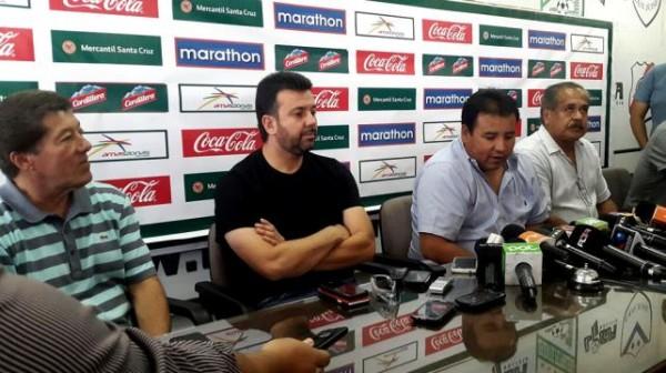 Baldiivieso fue presentado como nuevo DT de la selección. (Foto: Prensa FBF)