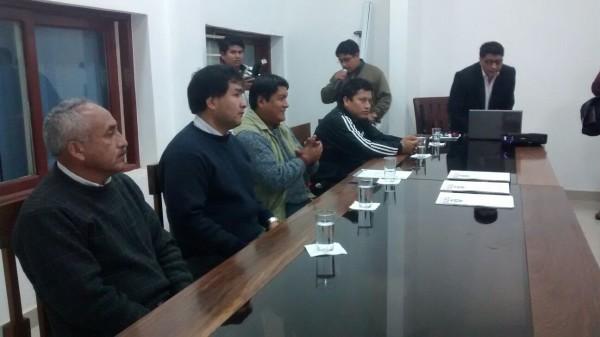 Firma del convenio entre el FRFPR y la Facultad Integrada del Chaco. (Foto: WhatsApp)