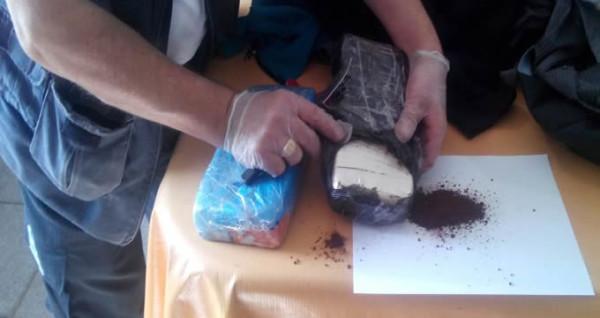 La cocaína era transportada en termos de café. (Foto: AFIP)