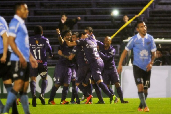 Los equipos bolivianos tuvieron un mal arranque. (Foto: elobservador.com.uy)