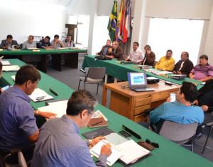 Los integrantes del Consejo Superior de la Liga durante su última reunión. (Foto: La Razón)