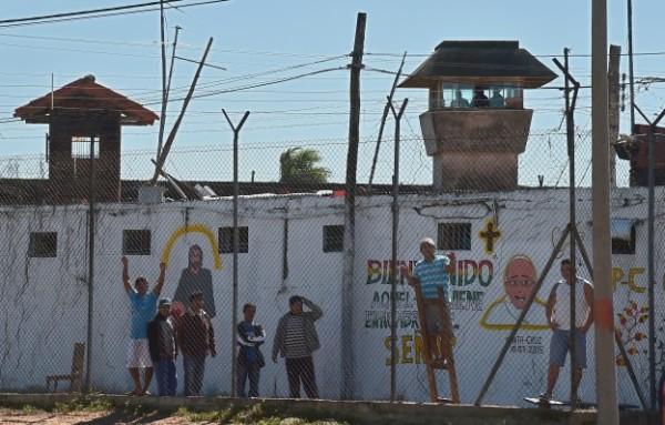 Los reos de la cárcel de Palmasola exigen mejores condiciones. (Foto: AFP)