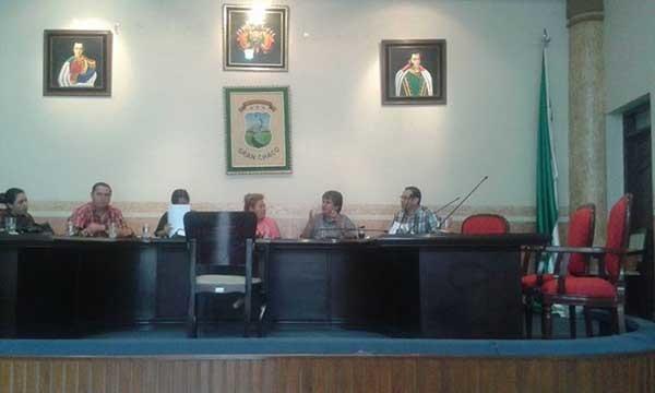 Sesión del Concejo municipal de Yacuiba para elejir a los 12 del año. (Foto: WhatsApp)