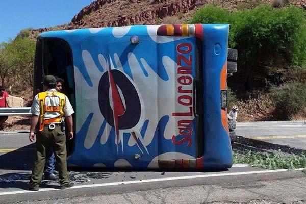 Accidente de Flota San Lorenzo en la carretera Potosí-Tarija. (Foto: WhatsApp)