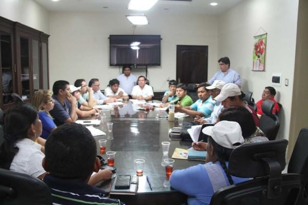 Alcalde Vallejos reunido con presidentes de las OTB. (Foto: Agencias)