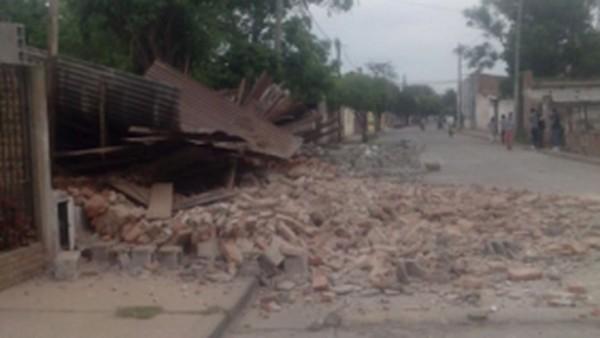 Derrumbes productos del fuerte sismo en Salta. (Foto: El Tribuno)