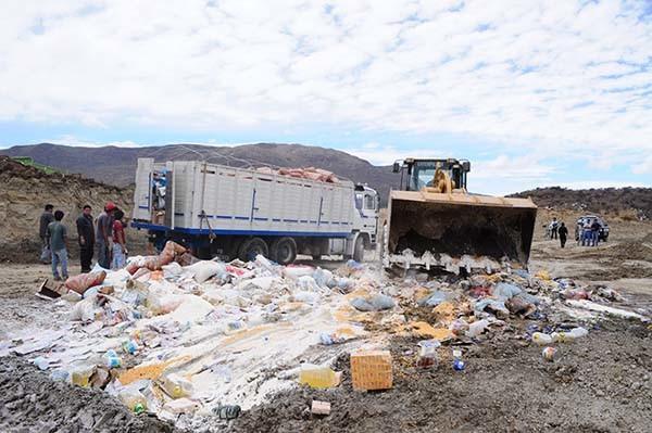 Destruyen mercadería decomisada por la aduana en Tarija. (Foto referencial - diarionuevosur.com)