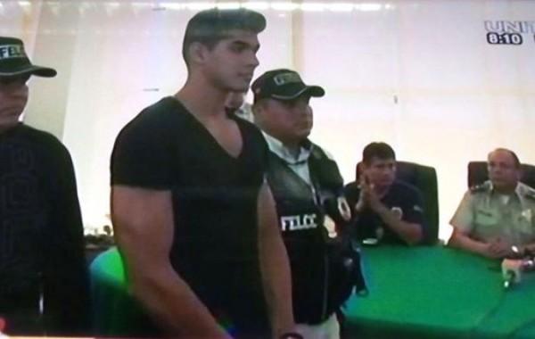 Kenny Teodovich ante las autoridades del Ministerio Público. (Captura de vídeo - Correo del Sur)