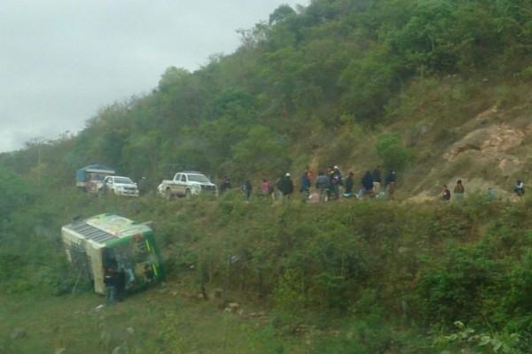 La flota se accidentó a pocos kilómetros de la población de Monteagudo. (Foto: Radio Suprema/Correo del Sur)