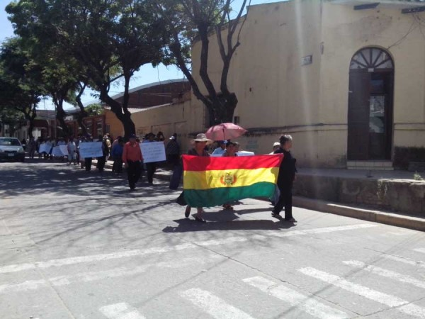 Marcha de los adultos mayores en Yacuiba. (Foto: elchacoinforma.com)